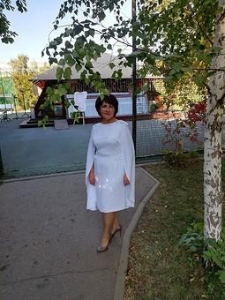 Работа с названием Моё юбилейное платье