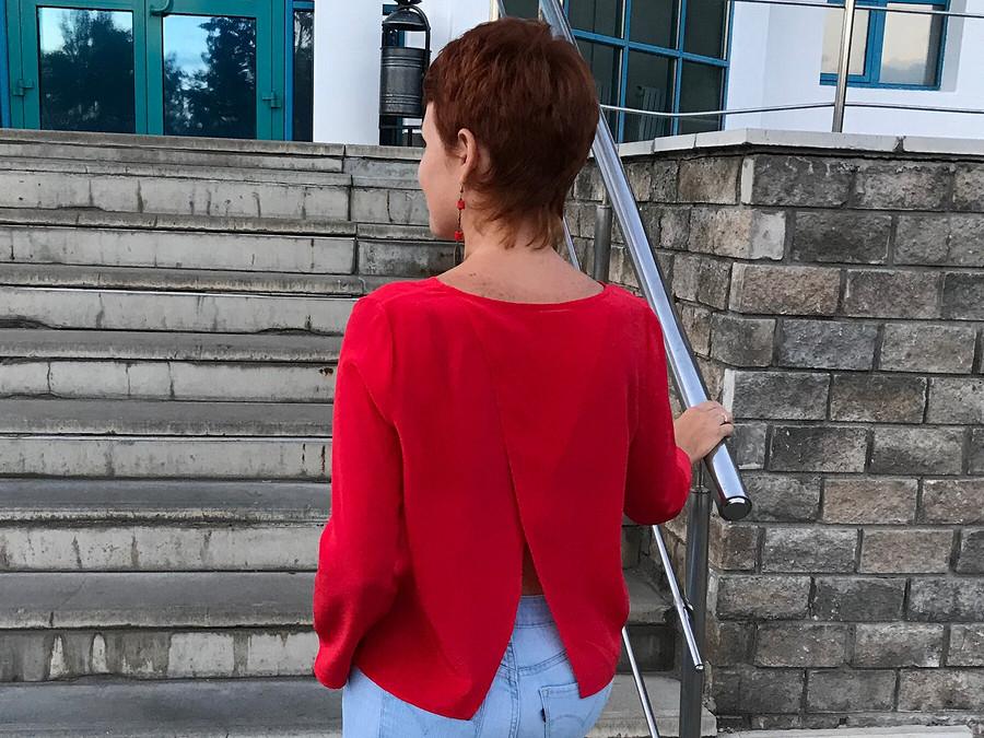 Простая блузка прямого кроя – находка дляшвейных экспериментов