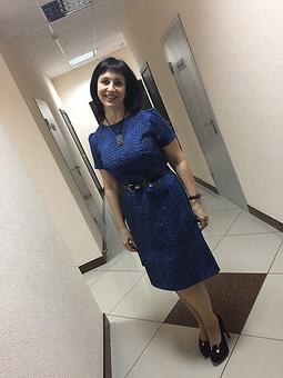 Работа с названием Отрезное платье-футляр №106 — выкройка из Burda 2/2019