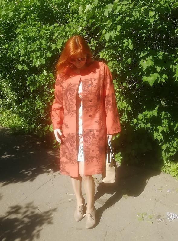 Пальто летнее, коралл
