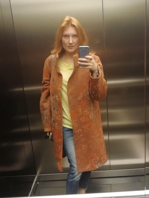 Пальто осеннее, кирпично рыжее