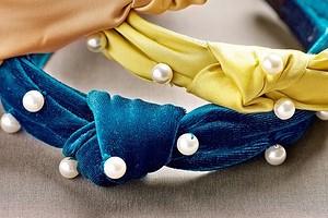 Жемчужная россыпь: декорируем ободок бархатом и бусинами