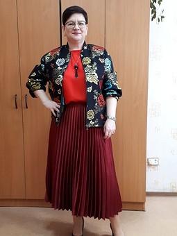Работа с названием Была юбка, стал блузон...