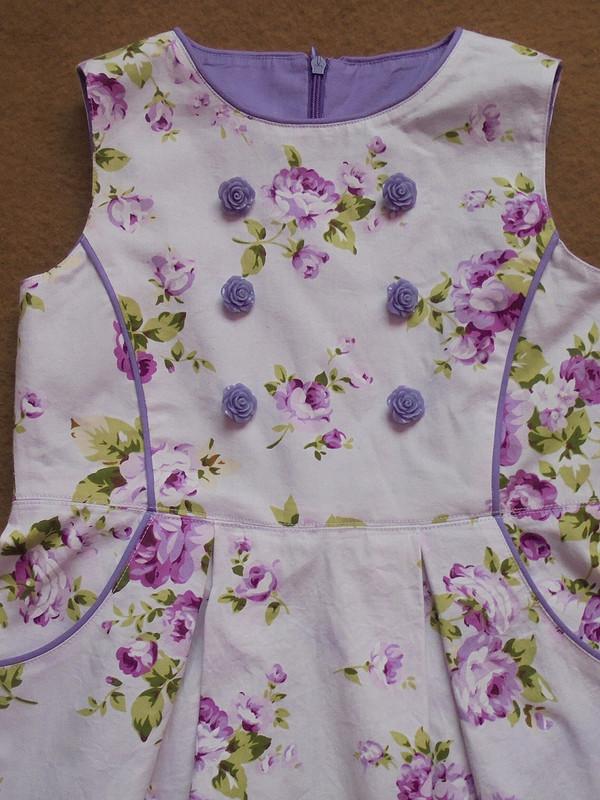 Платье скантиками