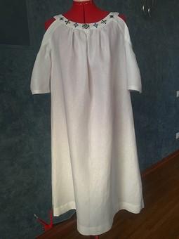 Работа с названием Платье из белого льна