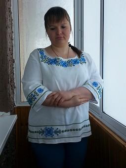 Работа с названием Туника  с вышивкой
