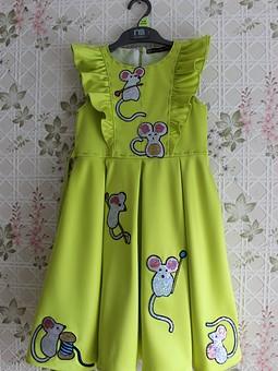 Работа с названием Детское платье с мышками dolce gabbana