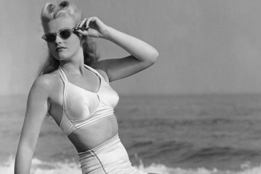 Стилисты назвали фасон купальников, который будет самым популярным летом-2019