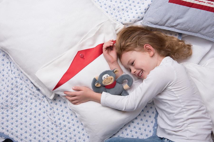 Забавная наволочка надетскую подушку своими руками