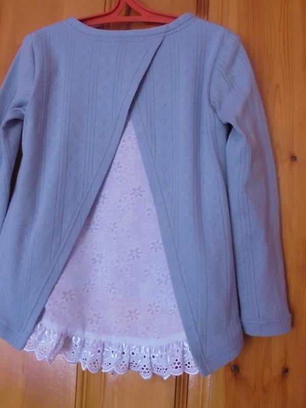 Пуловер синтересной спинкой