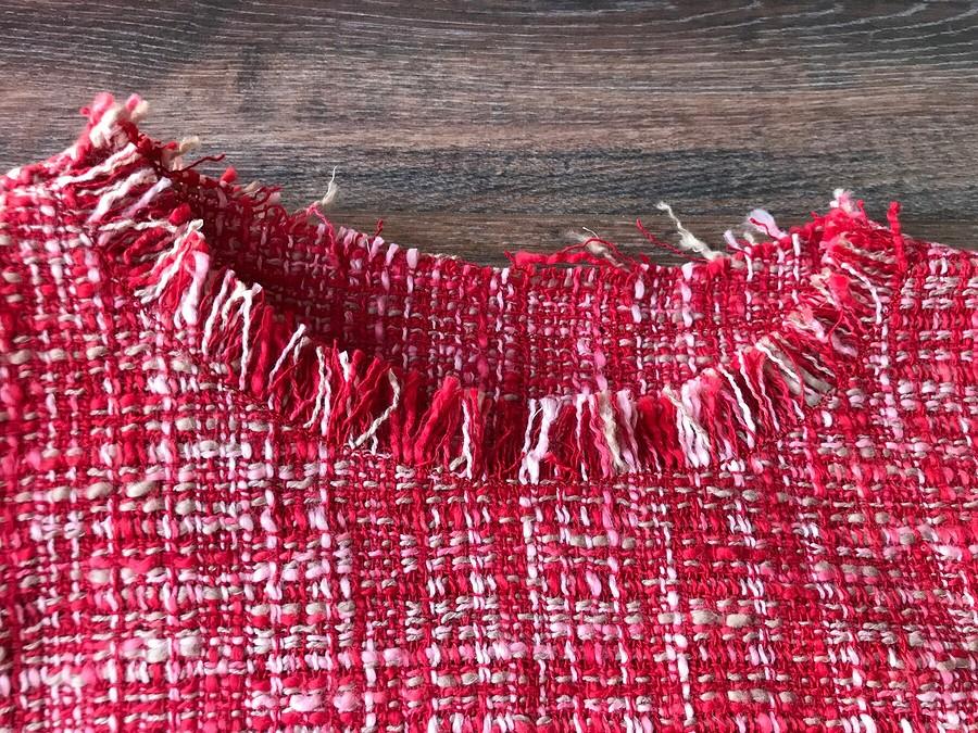 Декоративная обработка срезов ткани встиле Шанель: «открытый» способ