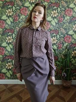 Работа с названием Рубашка с юбкой.