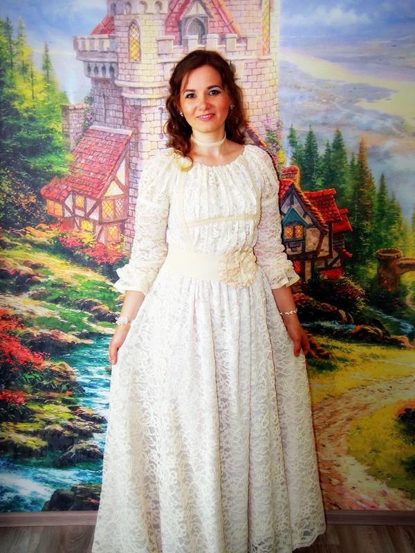 Платье длявоспитателя навыпускной вдетском саду