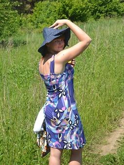 Работа с названием Трикотажное простое платье
