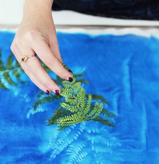 Идея: создаём узоры наткани спомощью растений