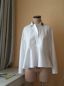 Работа с названием Белая рубашка