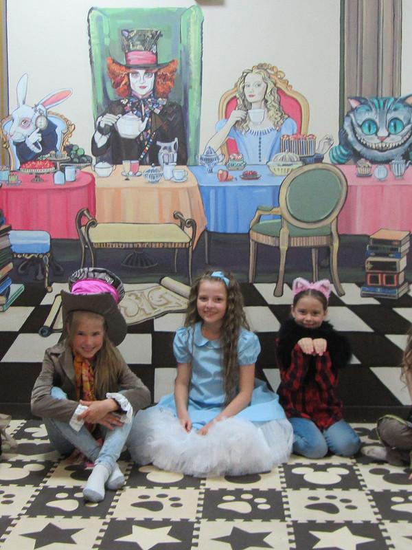 Костюм «Алисы встране чудес»