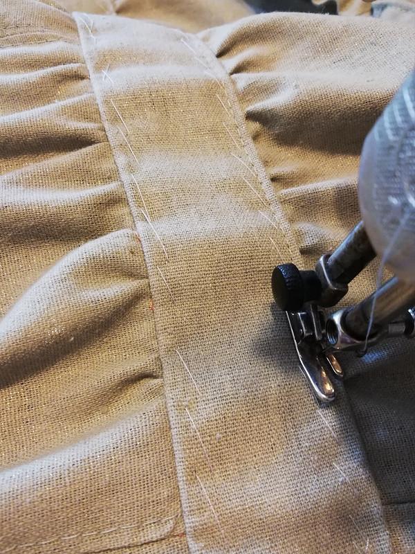 Льняное платье-сарафан цвета хаки сзолотым напылением. от MariyaKo