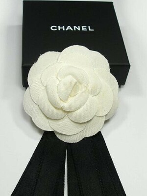 Белая камелия Шанель из шелка своими руками
