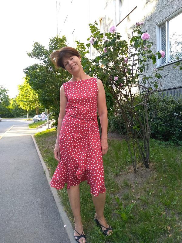 Платье вгорошек