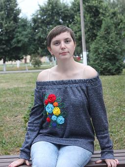 Работа с названием Пуловер с вырезом кармен