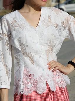 Работа с названием Кружевная блузка 5/2019 - Внимание на талию.
