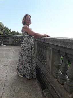 Работа с названием Шелковое платье