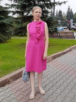 Работа с названием Льняное платье с оборкой