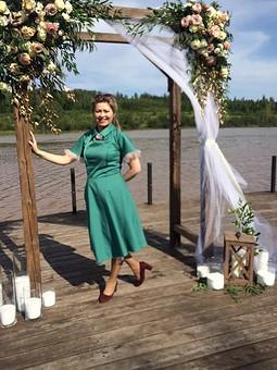 Работа с названием Платье зелёное свадебное