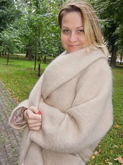 Работа с названием Бежевое пальто. Total beige или Вот оно какое - наше лето!