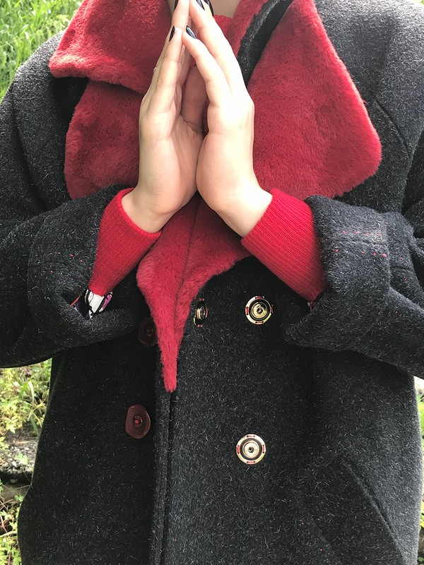Зимнее пальто летом