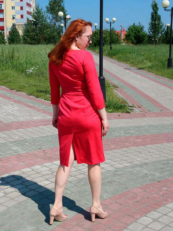 Платье пофигуре