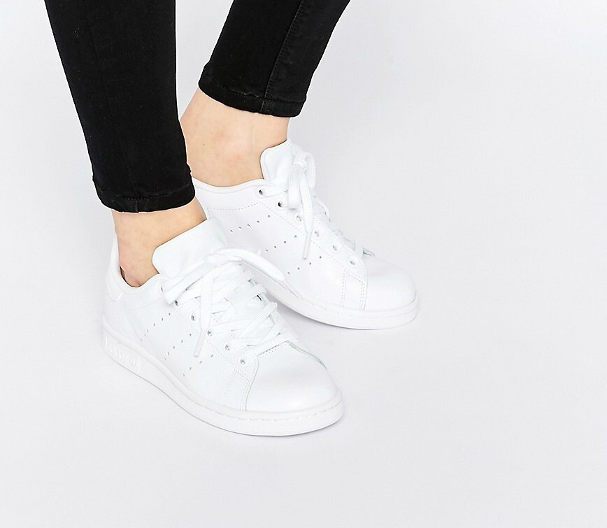 Как сохранить кроссовки белыми: 10 советов илайфхаков