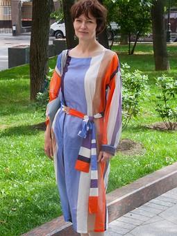 Работа с названием Прозрачное платье