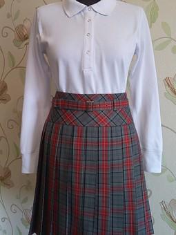 Работа с названием Рубашка-поло для школьных будней