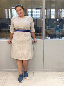 Работа с названием (Не)Маленькое бежевое платье