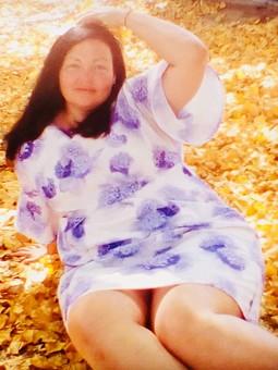 Работа с названием На ковре из жёлтых листьев