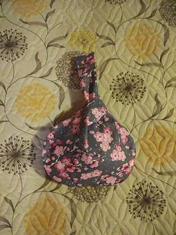Работа с названием Японская сумка-узелок