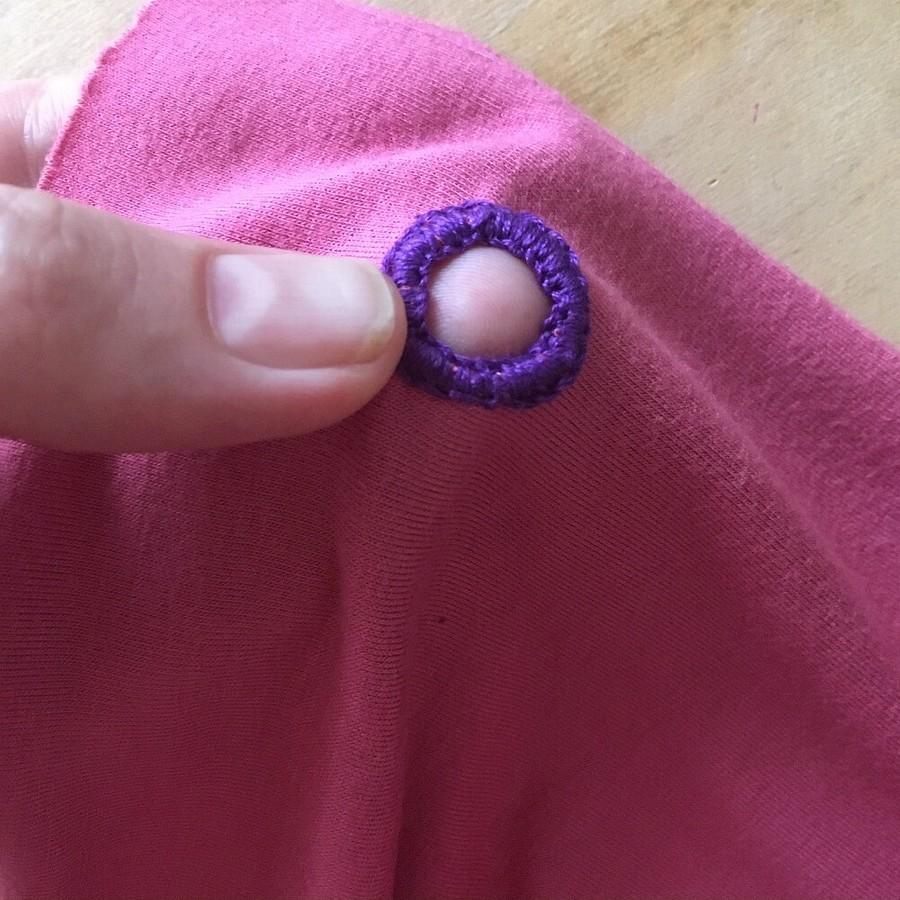 Как обработать отверстие дляшнура двойным петельным швом