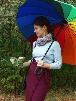 Работа с названием День осеннего равноденствия. Прогулка с Меланией. Моя юбка)