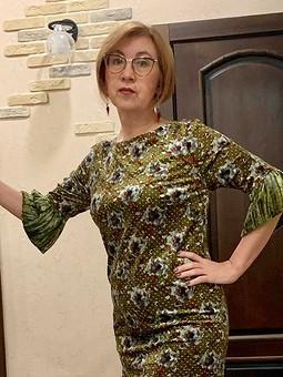 Работа с названием Платье 1, или Новый год в зелёном бархате