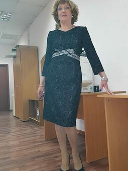 Работа с названием Платье-футляр из вельвета стрэйч