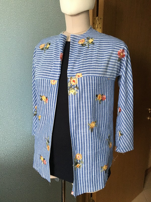 Рубашка «Раз полоска, два полоска ис цветочками»