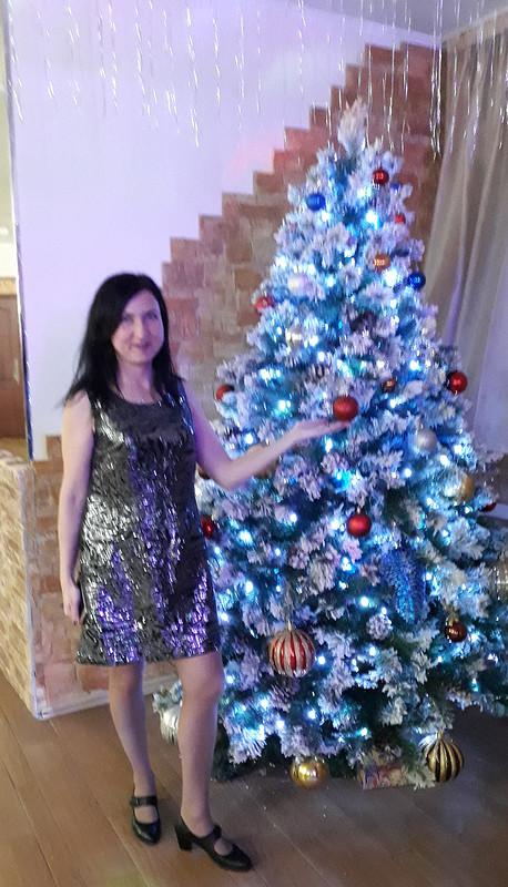 Маленькое  блестящее платье