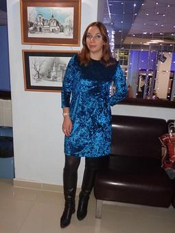 Работа с названием Рождество на ФФ с frb113lenta. Бархатное платье
