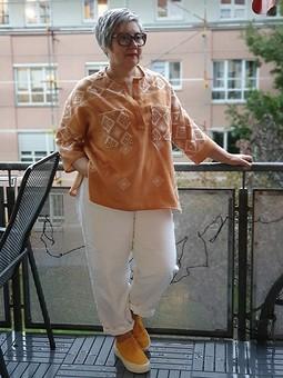 Работа с названием Блуза с застёжкой поло