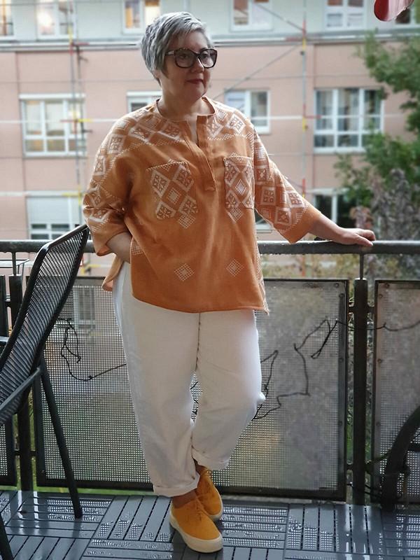Блуза сзастёжкой поло