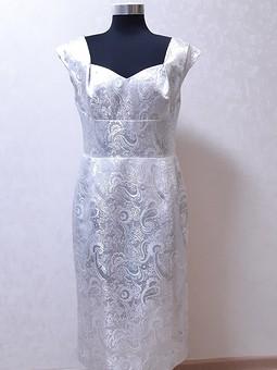 Работа с названием Платье, которое вряд ли когда одену