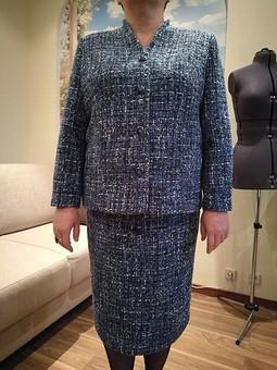 Работа с названием Жакет и юбка в стиле Маргарет Тэтчер