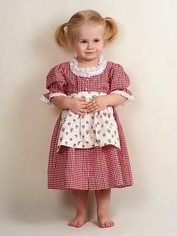 Работа с названием Платье и костюм Акуленка для девочки (2 года)